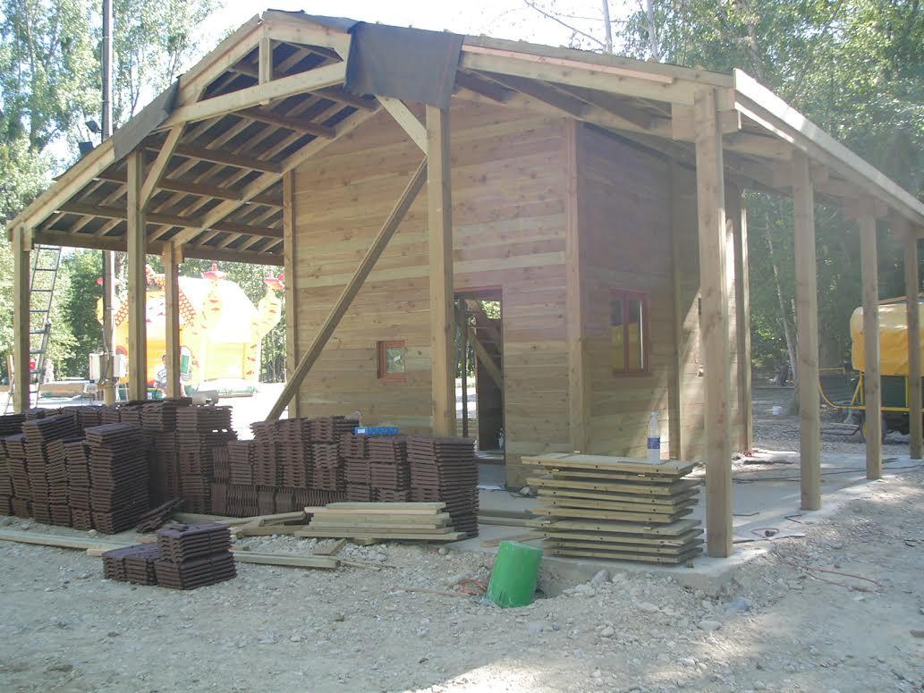 chalet kit ossature charpente le coin des mushers. Black Bedroom Furniture Sets. Home Design Ideas